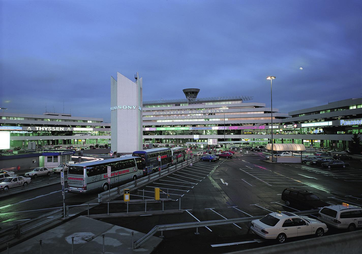 Flüchtlinge Flughafen Köln Bonn